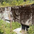Bunker mit meterdicker Betondecke