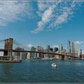 Brocklyn Bridge vor der Skyline von Manhattan