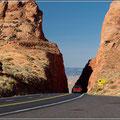 Durch diese Lücke geht es Richtung Grand Canyon