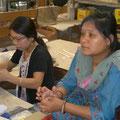 Sunita dans les ateliers de Sanu