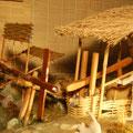 Décorticage du riz au Viet Nam: Un maillet levé par une came et qui retombe par son propre poids.