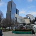 Millenium Park - Jay Pritzker Pavillon, Architekt unverkennbar Frank Gehry