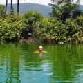 Schwefelbad - entspanntes Baden im heißen zweiten Becken ...