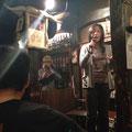 2014.5.18 主催のMIMI☆TATAさん。しんたんこと店のマスター森田さんのハープがしっくり。