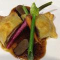 A-5和牛ロース肉のロッシーニ風 タケイファームの野菜 黒トリュフのソース