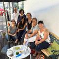 Die Begegnungsstühle als wichtiger Teil unserer Eröffnung vom SaSté Atelier im Glattpark - mit vielen Künstlerfreunden