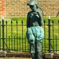 Statue de Pierendolster, femme du pêcheur.