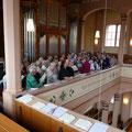 Großer Chor auf kleiner Empore