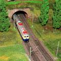 der Rheingold verläßt den Tunnel der Stadtwendeschleife