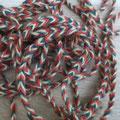 aus reiner Wolle pflanzengefärbt in 6 Doppelsträngen geflochten