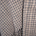 Handgewebter Schal im Pepitamuster