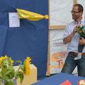 Der jüngste PfusSchyn-Inhaber Mikka Kilchenmann eröffnet die Anlage feierlich, zusammen mit seinem Götti