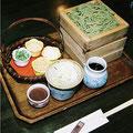 かさねそば(三段)  ¥945                              藪蕎麦