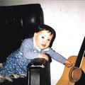 Zu Mama´s Gitarre greife ich heute noch wenn ich sie besuchen gehe.