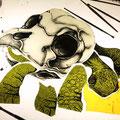 glas brandschilderen, schildpad. / glasspainting skull turtle