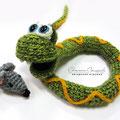 Вязаная змея. Автор Офицерова Светлана