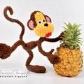 Вязаная обезьяна. Автор Офицерова Светлана