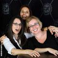 Edi, Karin und Monika mit Schmuckstücken von der Goldschmiede OBSESSION