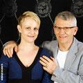 Daniela & Mario mit Schmuckstücken von der Goldschmiede OBSESSION