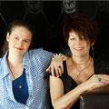 Dominique & Evelyne mit Einzelstücken von der Goldschmiede OBSESSION