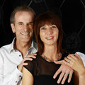 Doris & Daniel mit Trauringen aus der Kollektion Groove