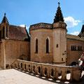 Une place devant la cathédrale
