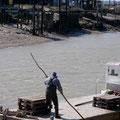Pêcheur rentrant à La Tremblade (17)