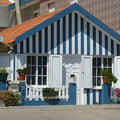 Maison rayée bleu et blanc à Ilhavo