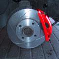 Bremse vorn: neu lackiert und optimiert