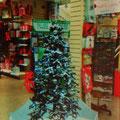 Ein Baum, der es sich selbst macht - Kunstschnee mit Auffangbecken...