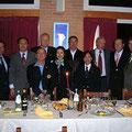 Maestra Xu con gli Ufficiali IWUF