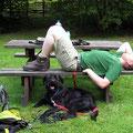 Noch eine Pause. Kurz danach ging der Hund erstmal stiften... Sauvieh!