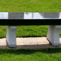 Exemple de mobilier de jardin ou parc en pierre naturelle ou granit