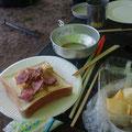 朝も手作りサンドイッチです!7時にキャンプ場を出発です。