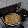 簡単に料理を作ります!