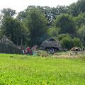 © Traudi - nachgebautes Steinzeit-Dorf