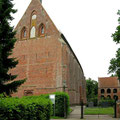 © Traudi – Kirche aus dem 14. Jahrhundert bei der Wasserburg Hinta