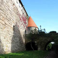 © Traudi  -  Schanz (Das massive Vorwerk aus dem 15. Jh. wurde im 18. Jh. mit Häusern überbaut) mit Nachtwächterturm