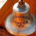 die Glocke der RRS Discovery, welche bei der Jungfernfahrt nach London installiert wurde