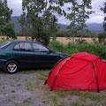 Zum Weiterfahren ist's zu spaet. ich zelte gleich auf dem Parkplatz am Fusse des Berges.