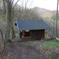 Schön liegt sie, die Breiberg-Hütte, mit Blick in alle Richtungen.