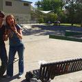 Beni und ich im Skatepark