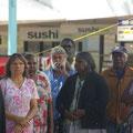 ... dass sich viele Aboriginies in ihrem eigenen Land unterdrueckt fuehlen (die armen muessen jetzt schon Sushi essen... :-)