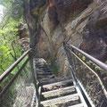 Nach unten wurde es dann ruhiger... hier Stufen 354-369
