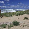 Meine erste Wanderung namens Hike and Swim führte an diesen schönen einsamen Strand...