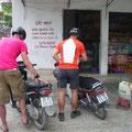 aber wir fanden zum Glück auch im kleinsten Dorf einen Schluck Benzin.