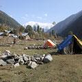 Mein Zelt wurde unten am Fluss aufgebaut.