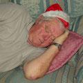 Danach braucht sogar der Weihnachtsmann sein Mittagsschlaefchen... :-) Dies ist der Papa von Chris...