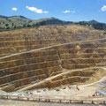 ... in der es immernoch eine aktive Goldmine gibt... Goldabbau sieht allerdings in heutigen Zeiten nicht mehr ganz so romantisch aus...