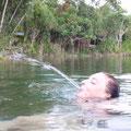 Aber auch andere merkwuerdige Wesen sind im Lake Eacham zu finden... :-)